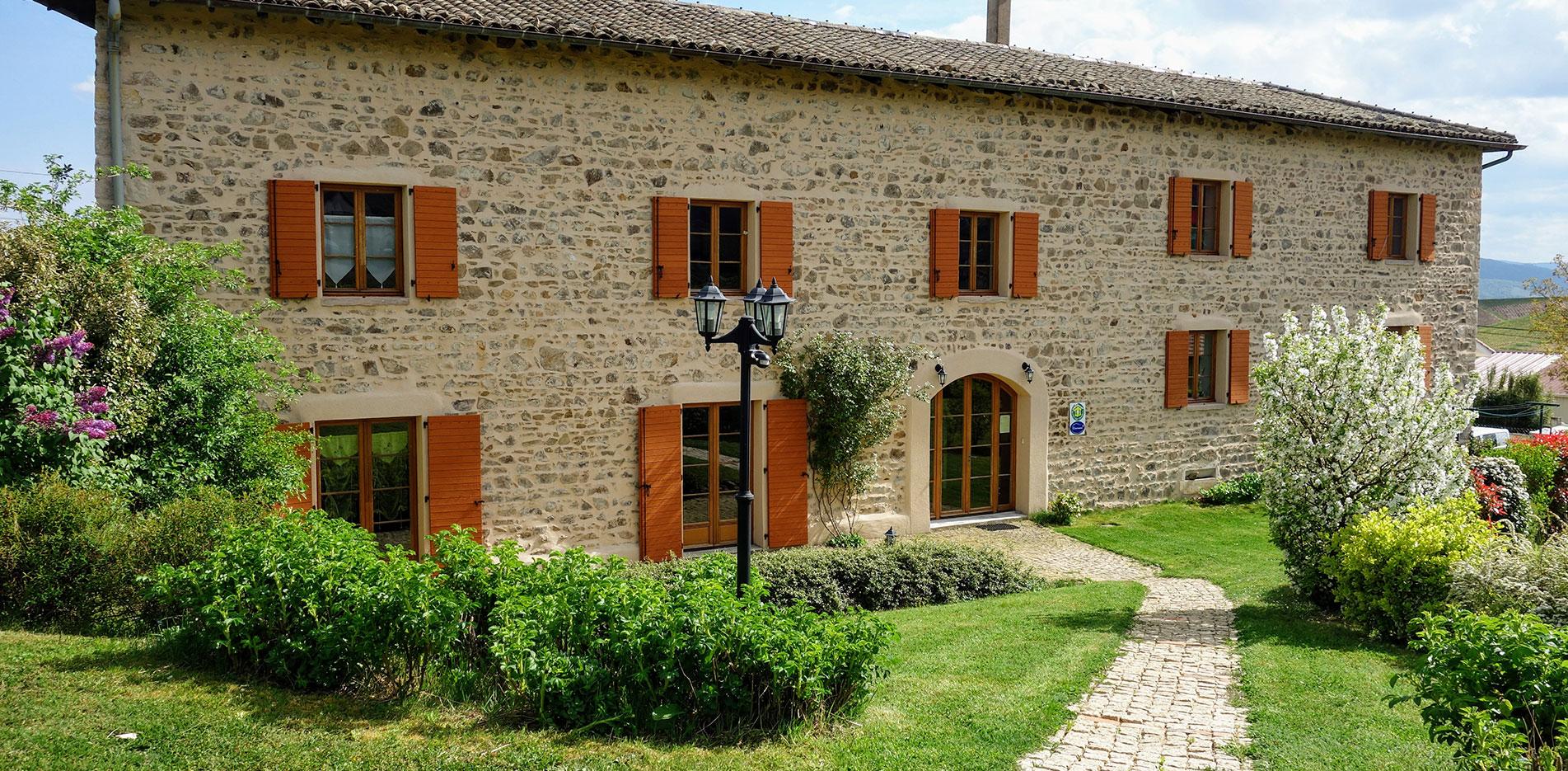 Maison d'Hôtes en Beaujolais - Façade 3